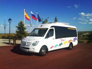 Minibus hire for weddings in Madrid