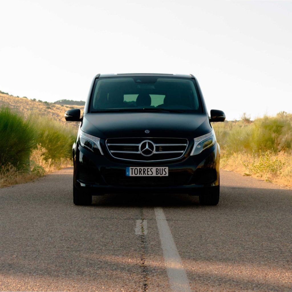 Cropped Minivan De Alquiler Por Madrid 1 1024x1024